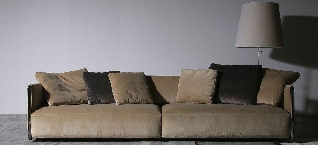 Sofá 4 plaza tapizado de tela moderno